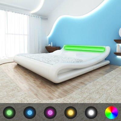 Bed met traagschuim matras LED kunstleer wit 140x200 cm