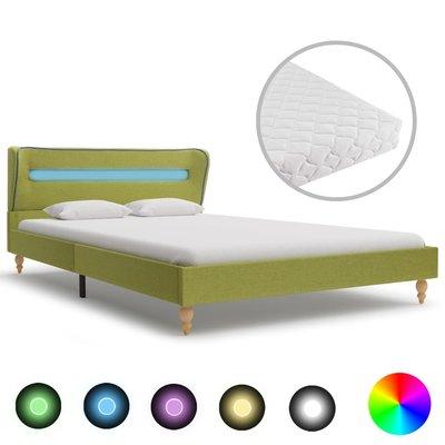 Bed met LED en matras stof groen 120x200 cm